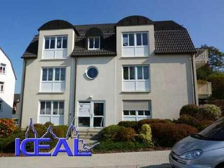 Preiswerte 3-Zimmer-Wohnung mit Balkon und Einbauküche in Lengenfeld