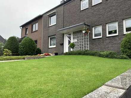 Direkt vom Eigentümer: Gepflegtes und teilvermietetes Zweifamilienhaus zu verkaufen