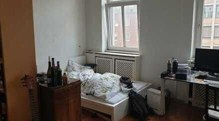 Helles 24qm Zimmer in zentraler 2er WG