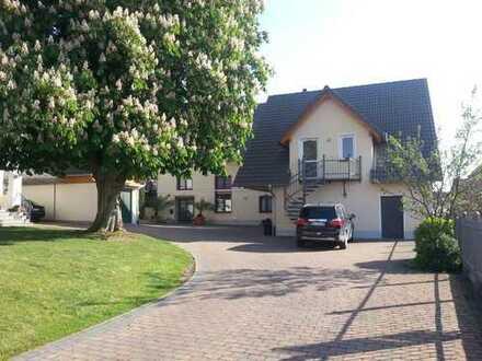 Mehrfamilien-, Mehrgenerationenhaus: 837m² Wfl. 1.338m² Grund 1.000 Möglichkeiten...
