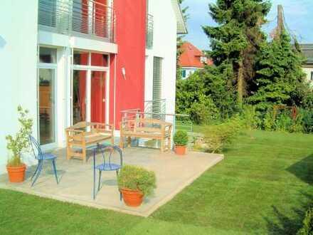 Oberursel: modern home near FIS, fireplace, 4 baths