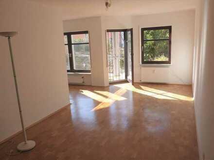 2 - Zimmer - Erdgeschosswohnung mit 60 m² Wohnfläche/Terrasse und Gartenanteil