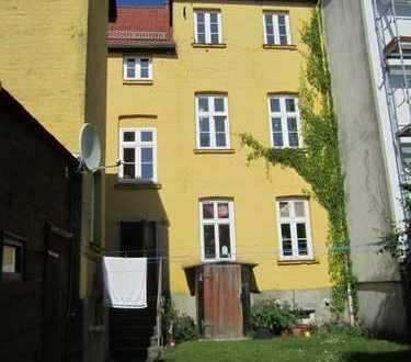 Mietsenkung garantiert: Renovierte 2-Zimmer-Wohnung mit Dielenboden in der Fleischervorstadt