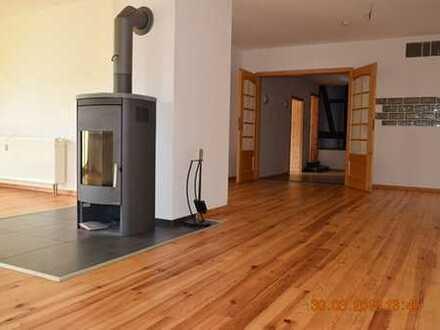 MGK bietet Wölpinghausen: großzügige 4-Zimmer Wohnung mit schönem Balkon und Kaminanschluss