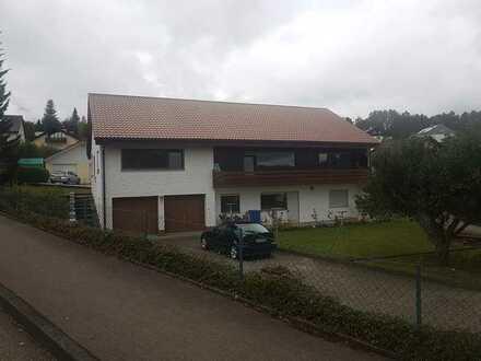 Vollständig renovierte 5-Zimmer-Wohnung mit Balkon in Baden-Württemberg - Gammertingen