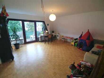 Wunderschöne 3-Raum-Wohnung in HB Schwachhausen mit Balkon und Blick in's Grüne