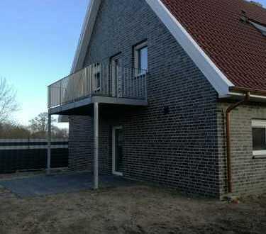 4-Zimmer Wohnung im OG mit großem Balkon, neuer EBK und Carport zu vermieten!!!