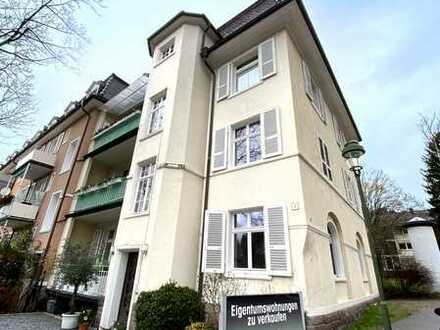 DG-Wohnung in stilvollem Altbau, Balkon und zusätzl. Speicherausbau möglich