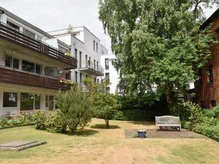 Modernisierte 1-Zimmer-Wohnung mit Balkon und Einbauküche in Ottensen, Hamburg
