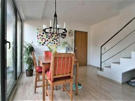 Wunderschöne, helle Maisonettewohnung mit 2 Südterrassen in Köln-Holweide