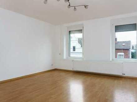 Zentrum: Elegant wohnen in sanierter 4-Zim.-Wohnung im Altbau mit großem Balkon und Stellplatz