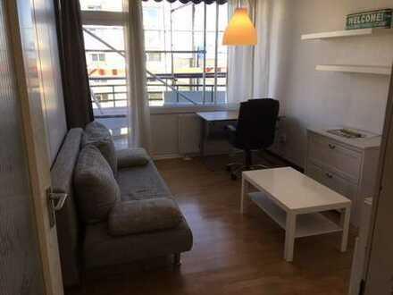 Uni-Nähe: Teilmöblierte 1,5-Zimmer-Wohnung in Zollstock, Nachmieter gesucht