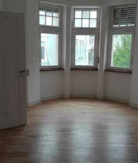 Schöne, helle 1,5 - Zimmer-Wohnung
