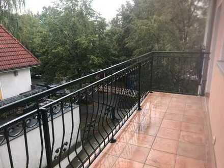 Maisonettewohnung mit Balkon und drei Badezimmer in Berlin-Pankow