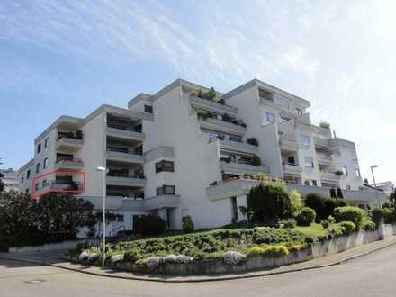 schöne, neuwertige 2- Zimmer Wohnung mit Panoramablick, Balkon, Stellplatz und EBK