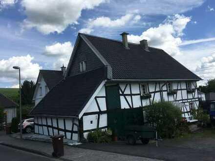 Das besondere Fachwerkhaus (Denkmal) ehemals Bauernhof von ca. 1870