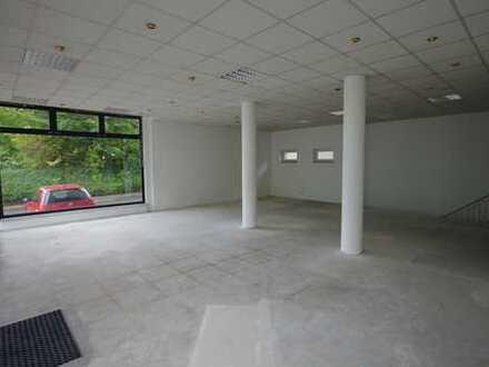 250m² Verkaufsfläche in Zwickau - zentrumsnah, großes Schaufenster, PKW-Stellplätzen