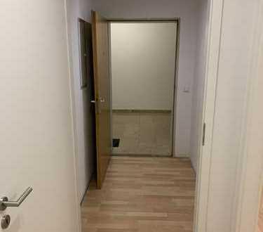 Vollständig renovierte 2-Zimmer-Wohnung mit Balkon und Einbauküche in Lauingen