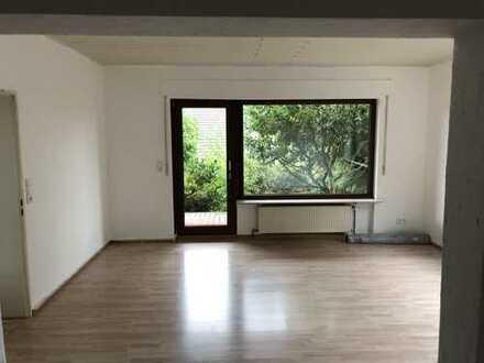 Großzügige 2,5-Zimmer-Wohnung mit Terrasse in ruhiger Lage von Wildsachsen