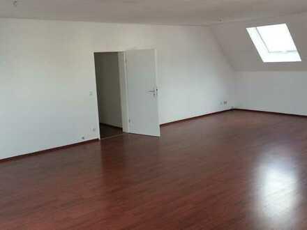 Wohnung zu vermieten - WG tauglich !