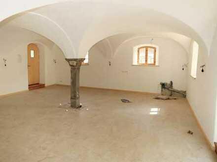 Erstbezug! 2 Zimmer-Mietwohnung in einem exklusiven und hist. Bauernhaus aus dem 16. Jahrhundert!