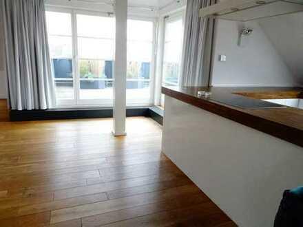 Köln-Ehrenfeld:Wundervolle, moderne 2-Zimmer-Wohnung mit großzügiger Dachterrasse