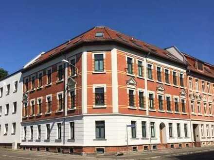 WOHNEN IN Mockau - große 1.Raumwohnung ,Küche mit viel Platz, Tgl. Wannenbad