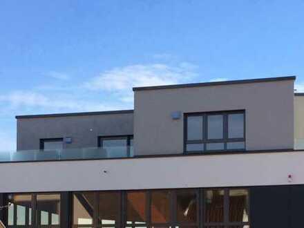 ERSTBEZUG 4,5-Zimmer-Penthousewohnung mit Dachterrasse in zentraler Lage von Balingen