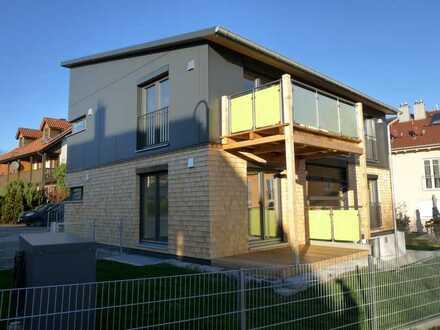 Neuwertige 3-Zimmer-EG-Wohnung mit Terrasse und Garten in Hedwigastr., Altomünster
