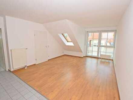 Dachgeschosswohnung mit Balkon und Tiefgaragenstellplatz!