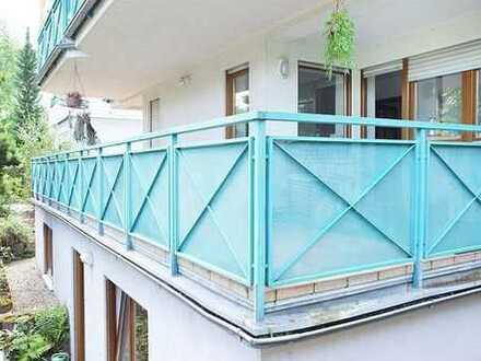 Sehr viel Balkon = Terrasse (22qm) -Hochparterre - Schöne 3-Zimmer-Wohnung - Laminat -