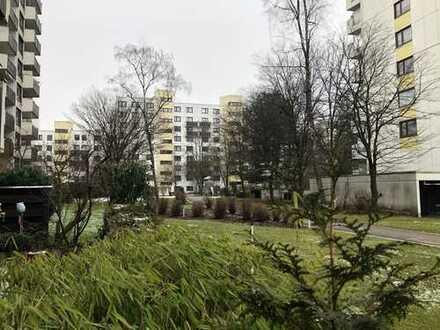 Familienfreundliche u. helle 4-Zimmer-Whg. mit größzüg. S-Balkon in HAIDHAUSEN (Balanstraße)