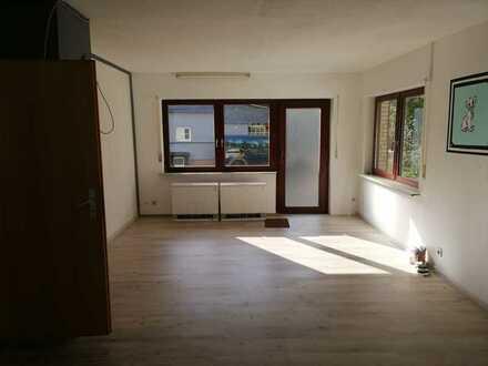 Große, günstige 1-Zimmer-Erdgeschosswohnung in Nassau / Scheuern
