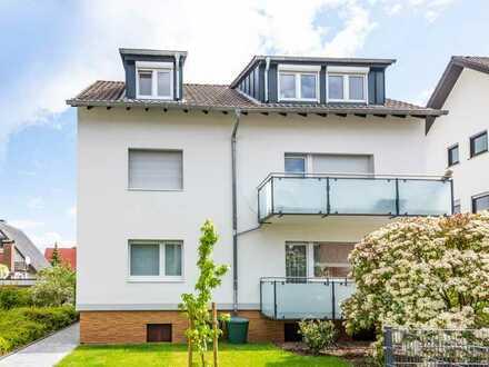 Heusenstamm: Sanierte, tolle 3 Zimmer-Dachgeschoss-Wohnung im Dreifamilienhaus und ruhiger Wohnlage
