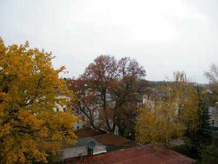 5 Raum-Wohnung, 2 Bäder mit Fenster, Abstellräume, Mais., Balkon!!!