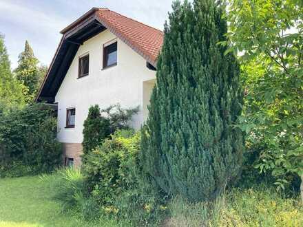 Schwedelbach, EFH (freistehend) mit 8 ZKB, 3,5 Bäder, Kamin, 3 Stellplatz