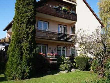 Gepflegte, freundliche und helle 4-Zimmer-Wohnung mit 2 Balkons und Einbauküche in Ostfildern