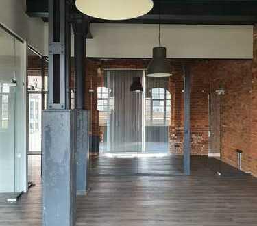 Exklusives lichtdurchflutetes Büro in historischem Gebäude, direkt vom Eigentümer