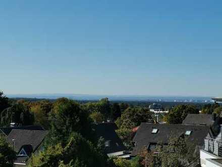 Erstbezug nach Sanierung: Sonnendurchflutete 3-Zimmer-Wohnung mit Sonnenbalkon in Bensberg