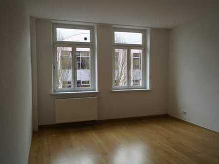 Vollständig renovierte 4-Zimmer-Wohnung mit Balkon und EBK in Döbeln
