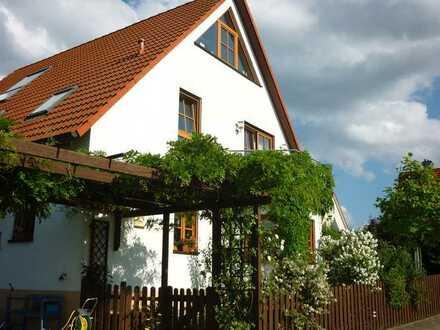 Wunderschönes, freistehendes Einfamilienhaus in Heroldsberg befristet zu mieten