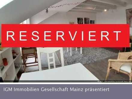 Helle Einzimmerwohnung über den Dächern von Mainz-Finthen