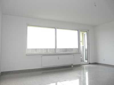 Kapitalanlage. Hochwertige 3,5-Zimmerwohnung, 2 Balkone, Aufzug, Tiefgaragenplatz, Wesseling-Zentrum