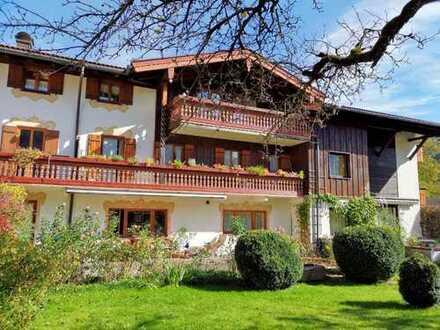 Landhaus mit 9 Wohneinheiten und ca. 800 Quadratmetern Baugrund