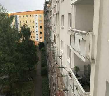 Nachmieter für schöne 1-Zimmer-Wohnung mit Balkon und Einbauküche in Rostock gesucht