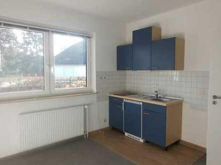 Helle, renovierte Einliegerwohnung im 2-Familienhaus