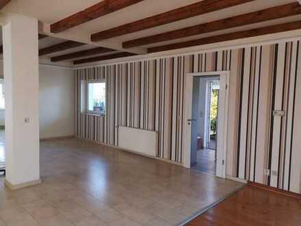 3 Raum Wohnung mit Kamin und großer Terasse