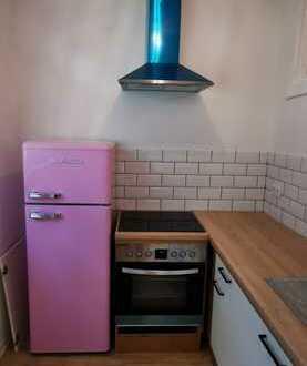 Erstbezug nach Sanierung: Schöne 1-Zimmer-Wohnung mit Einbauküche, Balkon und Stellplatz