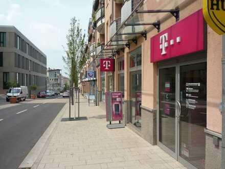 Einzelhandel-Ladenlokal mit Top-Mieter