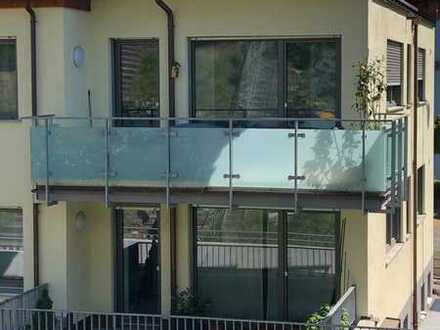 Helle, neuwertige 3-Zimmer-Wohnung mit Balkon in Stuttgart